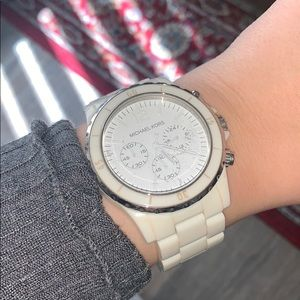 Off-white Micheal Kors Watch👌🏻